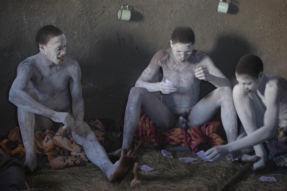 Abakwetha circumcision in South Africa. Photo by Amsterdam photographer Tom van der Leij