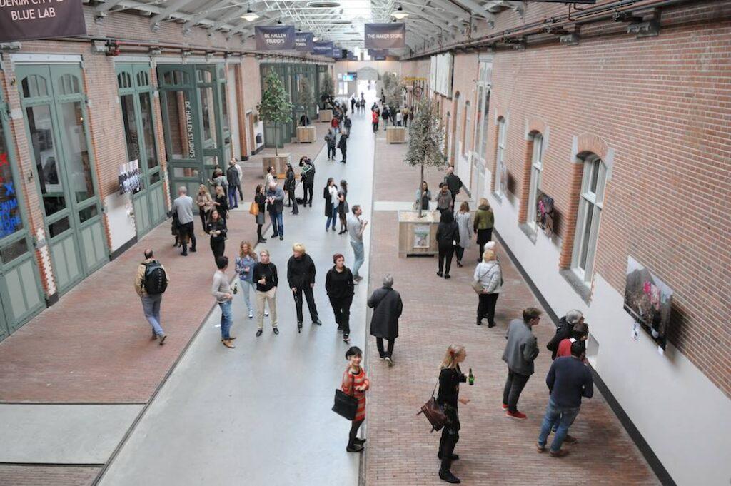 photo exhibition hall at De Hallen in Amsterdam with photos from Tom van der Leij